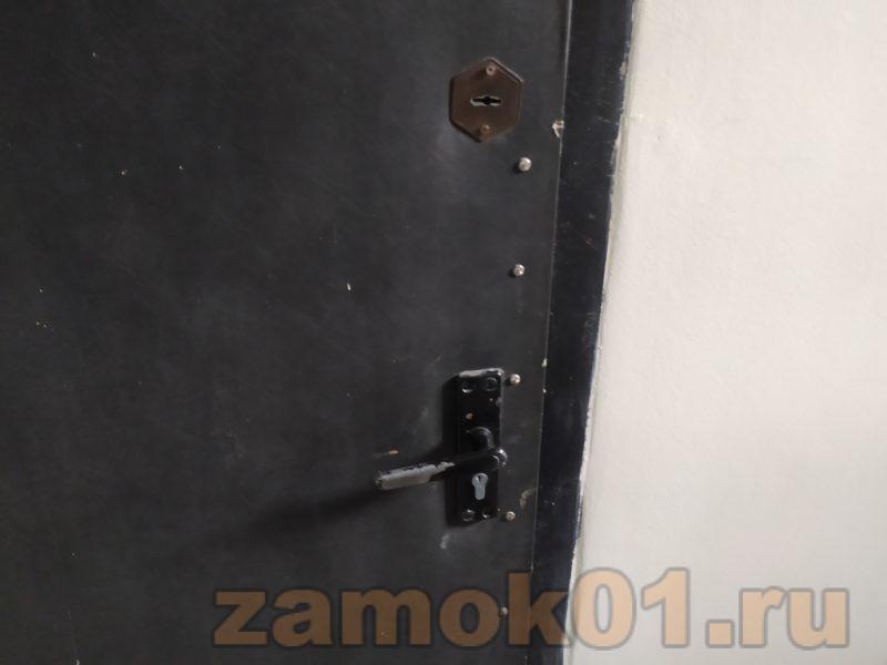 открыть железную дверь без ключа
